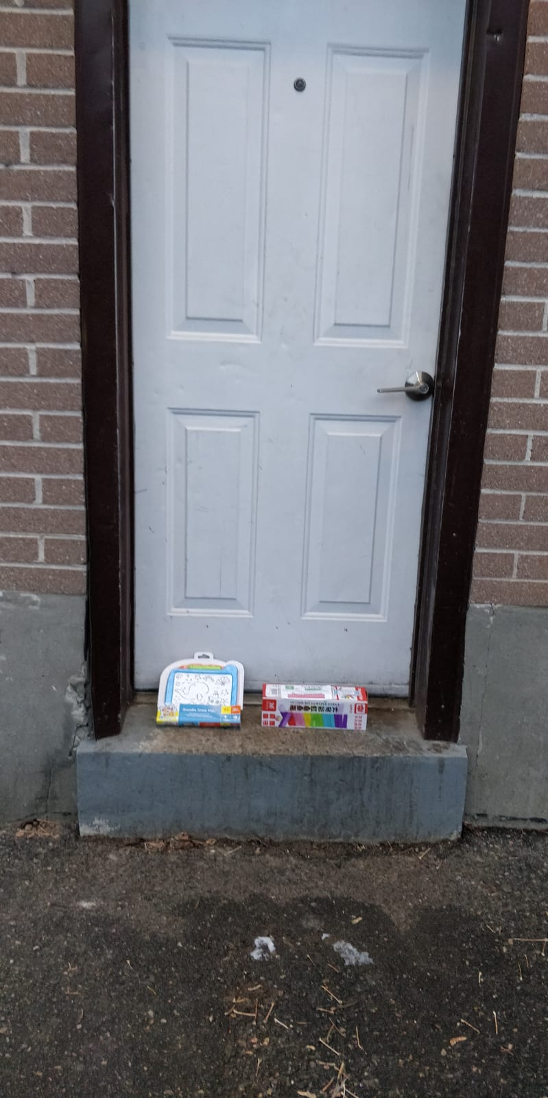 Building Block and mini writing board for preschooler